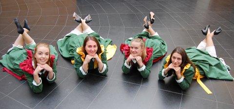 """JUBILEUMSKLARE: De var knapt født da """"Tryllefløytene"""" startet opp for 25 år siden, men gleder seg til jubileumskonsertene denne uken. Fra venstre: Martine Aurora Andersen, Kari Løkkeberg Haugom, Helle Høisæter Bekkesletten og Anne Løkkeberg Haugom."""
