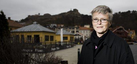 MYE HARDT ARBEID: - Halden kan glede seg over at skuta er snudd, men det gjenstår mye hardt arbeid framover, sier fylkesmann Anne Enger
