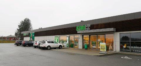 Kiwi Norheim ligger i Spannavegen like ved grensen til Haugesund, og langs veien mellom Norheim og Raglamyr. Kiwi holder til i bygget i dag. Eiendomsselskapet har søkt om å få inn mer detaljhandel i bygget, men får ikke lov.