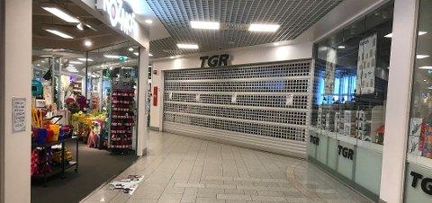I STORTORVET: Mange butikker er åpne, men mange er også stengt.