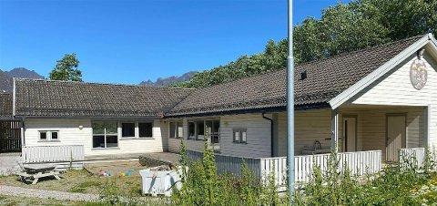 TIL SALGS:Bygget der det tidligere var barnehage er nå lagt ut for salg.