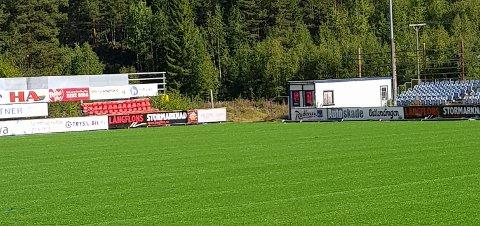 NYTT GRESS: Nybergsund IL Trysil fikk 1 million kroner i spillemidler for å legge nytt kunstgress på Nybergsund Stadion.