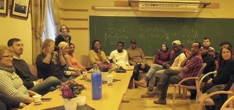 VELLYKKET MØTE: Flyktningene og de lokale vil gjerne skape et fellesmøtested for å lære hverandre å kjenne. Foto: Innsendt