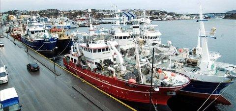 Du kan finne svaret i den nye termbasen Maritim ordbok. Også om fiskebåter.