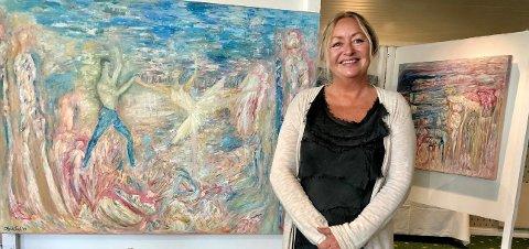 UTSTILLING: Heidi Foslis separatutstilling «Embrace» henger for tiden i Kunstsalen i Lørenskog. I juli kommer utstillingen til Åsgårdstrand.