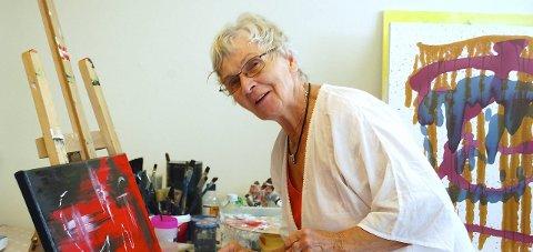 ELEV: Berit Nylend fra Odalen fant veien til Britt Lise Hegstads malekurs første gang i fjor.