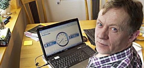 Gleder seg: I februar 2013 sto Harry Pedersen fram med sine klager på det daværende bredbåndstilbudet.Foto: Johan Votvik