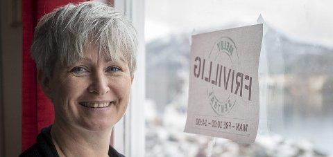 Ei god stund: Meløy Frivilligsentral med Gitte Farestveit Jonassen i spissen ønsker i god jul for alle.Foto: Johan Votvik