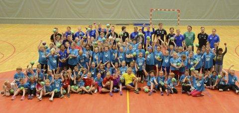 Mandag til onsdag er det igjen klart for  BHKs håndballskole. Foto: Stian Høgland