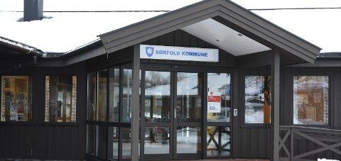 I løpet av dagen får Sørfold kommune svar på det 114 testene som ble tatt i går. Ordføreren regner med positive tilfeller.