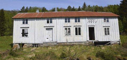 Skal rives: Hovedbygningen på Korsvik-eiendommen er blant byggene som skal rives og gjenoppbygges på samme sted.