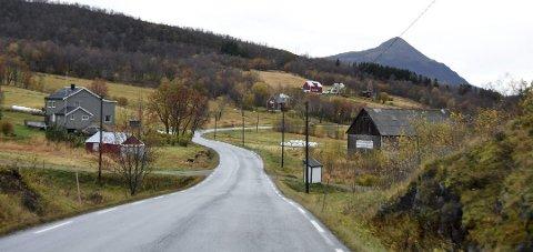 Staten har tredoblet investeringene i statlige veier i Nord-Norge de siste årene. FrP Nordland mener det samme må gjøres med fylkesveiene.