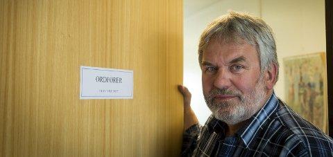 Skjebneår: Ordfører Olav Terje Hoff vil lodde stemningen i hele kommunen.Foto: Johan Votvik
