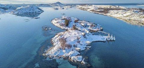 Først ut: Øya Manshausen i Steigens skjærgård har fått et nytt kvalitetsstempel som den første plastfrie øya i Skandinavia.