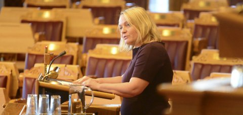 Mona Fagerås (SV) sitter på Nordlandsbenken på Stortinget.