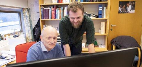 Ole Østerhus (33) og Tor Bjørn Wold (67) ved Øyrane legekontor har valgt å dele på      pasientene da de synes at det blir for arbeidskrevende å fylle en full fastlegehjemmel.