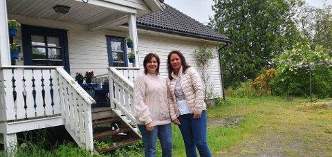 Venninnene Hilde-Merethe Rusthen (t.v.) og Anita Pettersen ønsker å rose fergemannskapet etter tirsdagens hendelse.