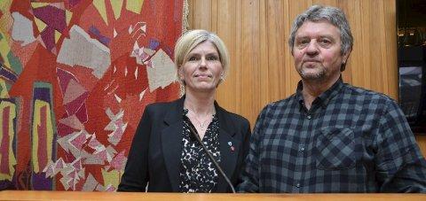Leder i Ap i Hordaland Trygve Bolstad her med Linda Haugland Jondahl som de også ønsker på en høyere plass enn foreslått.