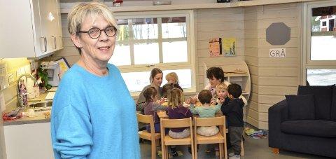 Har tatt tak: Mette Strand, styrer ved Prestfoss barnehage, har satt i gang flere tiltak for å bli kvitt viruset i barnehagen og oppfordrer foreldrene til å overholde 48-timersregelen når barna er syke.