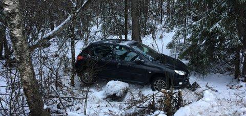 Her endte kjøreturen for den kvinnelige sjåføren mandag formiddag.
