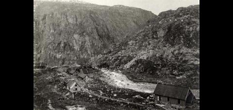Nedre Hundalen slik stedet så rundt 1901.