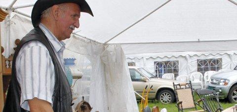 Handel: Johan Johansen er som vanlig med på Åslia-dagene.