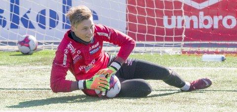 Kneskadet: Keeper-talentet Andreas Smedplass ble skadet på U18-landslagssamling. Foto: Ole-Johnny Myhrvold