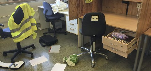 Rotet rundt: Innbruddstyver har både romstert, ødelagt og stjålet på Gran ungdomsskole i høstferien. Foto: Hege Blaker