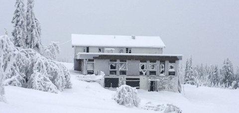 Fremdeles knuste vinduer: Slik så det ut på Bislingen 9. januar i år.Arkivfoto: Atle Nielsen