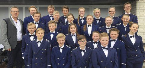 BYR PÅ DET BESTE: Brandbu skolekorps presenterer programmet de spilte i årets HO-mesterskap. Foto: Brandbu skolekorps