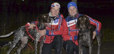 RASKEST: Oda Foss Almqvist og Stine Lyse Klevengen fra Hadeland Trekkhundklubb vant hver sin gullmedalje i helgens NM i barmark.