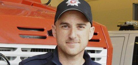 Brannsjef: Sturla Bråten forteller at brannvesenet har styrket beredskapen de nærmeste dagene som følge av flommen.
