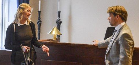 ADVOKATER: Aktor Marthe Gaarder og forsvarer Ole Richard Holm-Olsen fra rettsaken mot politimannen.