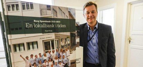 POSITIV: Banksjef Jørn Berg i Berg Sparebank mener bystrand og bryggepromenade på Sauøya er en god idé som bør realiseres.