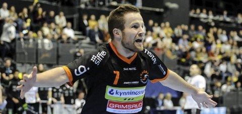VIKTIG KAM;P: Hans-Fredrik Cordt-Hansen og Halden Topphåndball møter Follo i Remmenhallen i kveld.