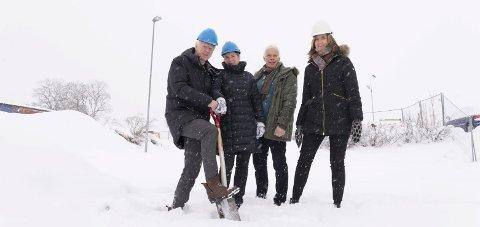 I GANG: Einar Busterud og Vigdis Galaaen fra Hamar kommune og Olav Øverland og Ane Børresen fra Finsalsenteret.
