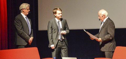 Fjorårsvinner: Emil Myhre (t.h.) ble tildelt Kulturprisen 2015. Her med Lage Thune Myrberget (t.v.) og Emil Tomasgard. Arkivfoto