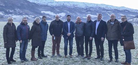 Voss: Representantar frå Hardangerrådet, Sogn regionråd, samt kommunane Voss og Vaksdal.foto: Privat