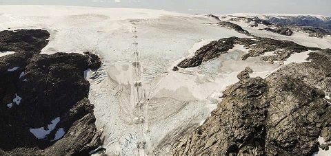Stengt: Som følge av dårlege snøtilhøve stengde Fonna Glacier Ski Resort onsdag denne veka. Foto: Privat
