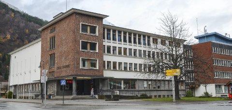 Rådhuset i Odda: Ullensvang kommune har vedteke at nynorsk skal vera administrasjonsspråket i den nye kommunen. Arkivfoto