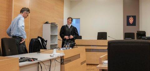 Espen Fjogstad (t.v.) representerer stavangerinvestorene som saksøker styret i Crudecorp. Advokat Per Kristian Ramsland er deres prosessfullmektig. Arkivfoto: Terje Størksen