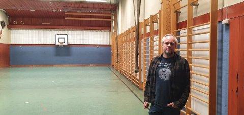 En nedslitt gymsal på Solvang skole.
