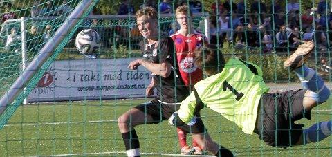Best på banen: Evaldas Stanikaitis sto stødig i mål da Grane møtte Sørfold på hjemmebane lørdag. Arkivfoto: Per vikan