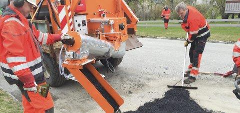 Spleiselag: Alstahaug kommune inviterer nå til spleiselag for å kunne asfaltere Hovnesveien, Kong Inges gate, Odins vei og Egils vei.
