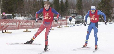 FRISTIL I DAG: Junior-NM på ski starter i dag for Ole Jakob Forsmo (t.v.) og Aleksander Slydahl.  FOTO: PER VIKAN