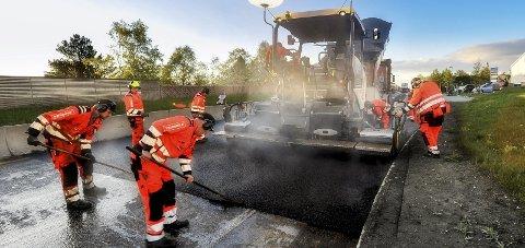 Vegvesenet: Statens Vegvesen skal asfaltere for omtrent tre milliarder.
