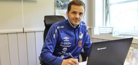 SLUTTER: Daglig leder i MIL Fotball, Håkon Stenersen, begynner i ny jobb 1. april.  Foto: Vegard Olsen