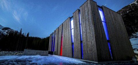 OPPMERKSOMHET: Vannkraftverket på Øvre Forsland har fått internasjonal annerkjennelse for sin arkitektur og naturskjønne omgivelser.