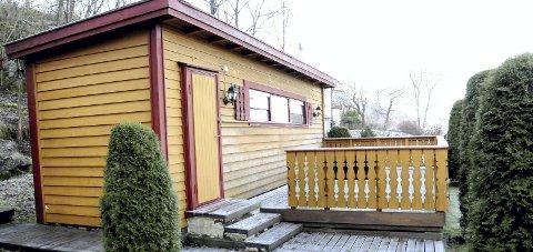 VIL HA OVERBYGG: Hytteeieren vil ha overbygg over verandaen her på Smørstein. foto: lars ivar hordnes