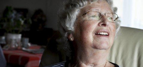 Vanskelig: Sonja Gudveig Skår Hauge (78) fra Sundbyfoss sa nei til fiberkabel. Hun liker ikke presset. Foto: Jarl Rehn-Erichsen